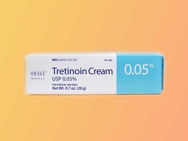 Hoạt chất Tretinoin là thuốc được điều trị trong các trường hợp bị mụn trứng cá rất hiệu quả.